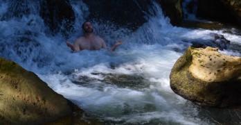 meditation-in-waterfall